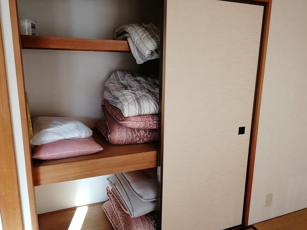 リゾートバイト寮の押し入れ